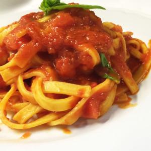 fettuccine-pomodoro-basilico-ristorante-belvedere-subiaco