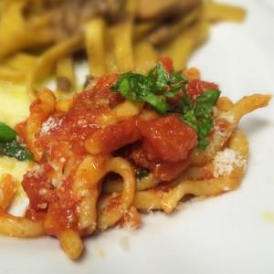 strozzapreti-pomodoro-piccante-ristorante-belvedere-subiaco